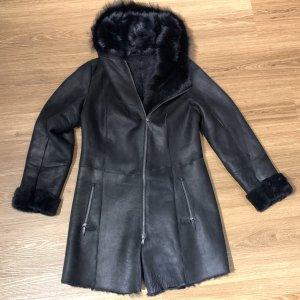 VESPUCCI Futrzany płaszcz czarny-czarno-brązowy Futro