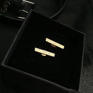 Vetements Boucles d'oreilles en argent doré