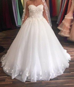 Suknia ślubna biały-kremowy