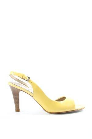 Via uno Décolleté modello chanel giallo pallido stile professionale