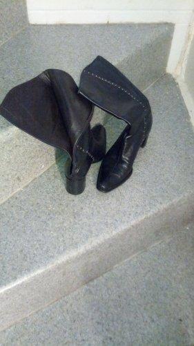 Vibram Buskins black leather