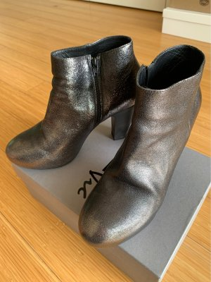 vic Ankle Boots dark brown
