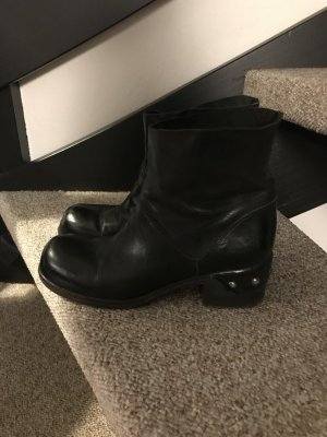 Vic Matie Short Boots black leather