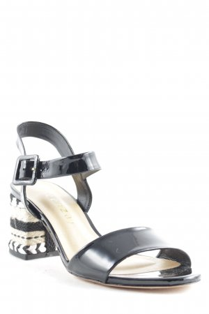 Vicenza Strapped Sandals abstract pattern Boho look