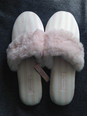 Victoria's Secret Scuffs white-pink