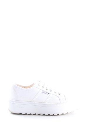 Victoria Zapatilla brogue blanco look casual