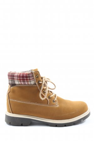 Victory Desert Boots check pattern casual look