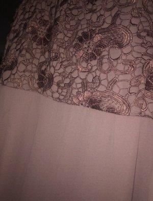 vielfältiges Kleid mit Stickerei (vorne sowie hinten) in altrosa
