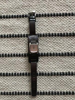 Viereckige Uhr von Fossil mit Lederarmband