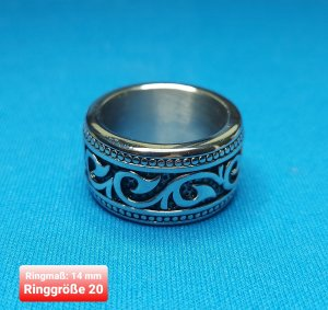 SmD Statement Ring black-silver-colored
