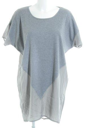 Vila Sukienka o kroju koszulki szary-jasnoszary Styl klasyczny