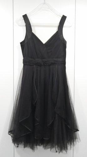 Vila Sukienka z falbanami czarny