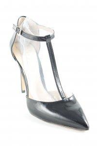 Vince Camuto Zapatos de tacón con barra en T negro elegante