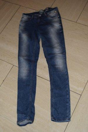 VINGINO Jeans, zweimal getragen Gr. 176 (passt bei 36)