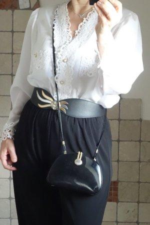 Vintage Bluse 70iger/80iger Jahre, weiß, Sixth Sense by C&A, wunderschöne Spitze am V-Ausschnitt und an den Kanten sowie Ärmelabschluss, breite Schultern, aufgesetzte Taschen, schöne Perlenknöpfe gold verziert, Polyester, neuwertig, Gr. L, Gr. 42 (oder ov