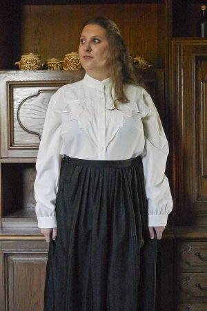 Vintage Bluse bestickt creme hochgeschlossen Kragen langärmlig XL