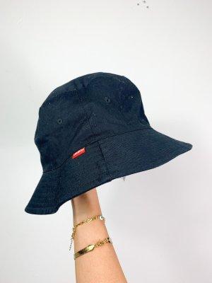 Cappello in tessuto nero