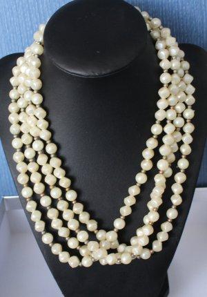 Vintage cremefarbene Kunsstoff-Perlenkette 4-Reihig aus den 50er Jahren