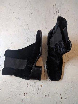 Vintage Escada Chelsea Boots