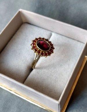 Vintage Goldring 333 mit böhmischen Granatsteinen