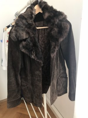 Giacca di pelliccia marrone-nero