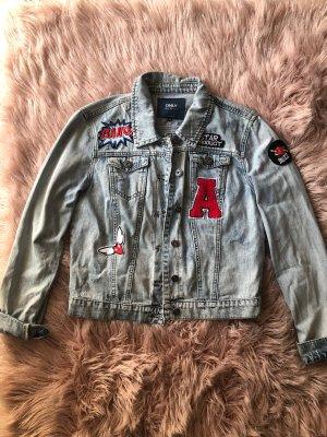 Vintage Jeansjacke von Only mit Stickereien