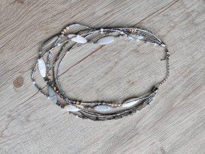 Collier incrusté de pierres gris