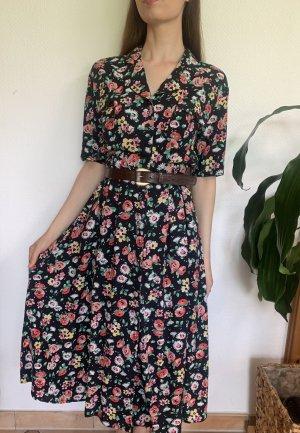 vintage Kleid mit bezogenen Stoffknöpfen