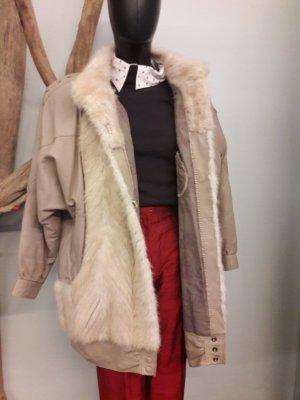 Manteau de fourrure crème-beige clair