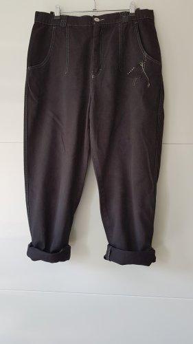 Spodnie karoty czarny