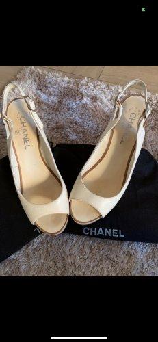 Vintage Peeptoes in creme von Chanel 40
