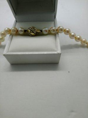 Vintage Perlenkette mit gold 585 und Diamanten
