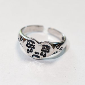 Anello d'argento argento-grigio chiaro