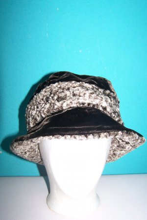 Cappello a falde larghe marrone scuro