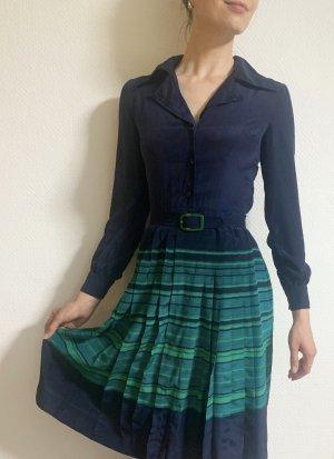 Vintage Seidenkleid mit Faltenrock und Guertel
