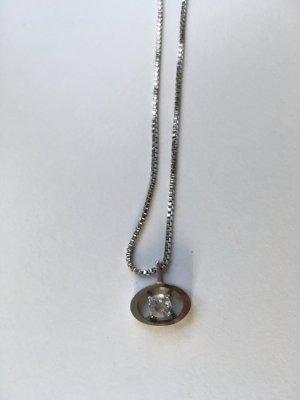 Cadena de plata gris claro