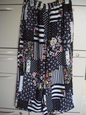 Vintage -  Weite Sommer Hose 7/8 lang, Gr. 38  - schwarz/weiß mit bunten Blumen Rosen