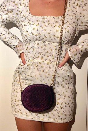 Violette Tasche aus Samt