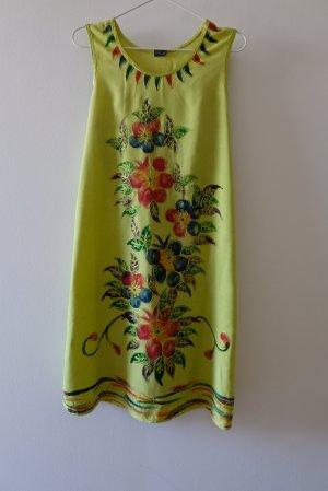 Viskosekleid mit Blumendruck und Stickerei