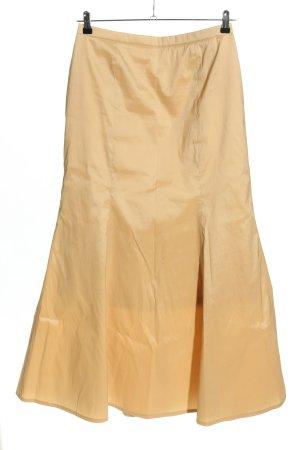 Vivien Caron Taffeta Skirt nude casual look