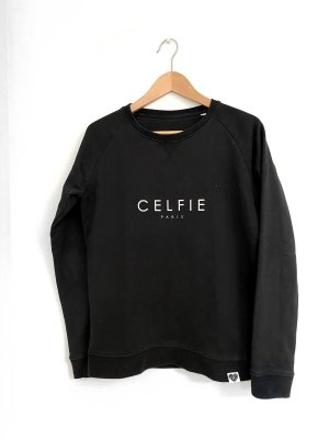 Vogue at Heart • Pullover Celfie Paris