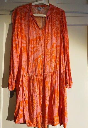 Emily van den Bergh Vestido estilo flounce naranja neón-rosa
