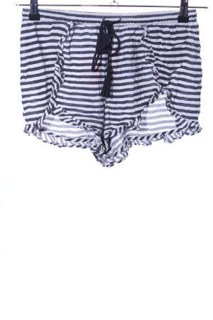 Volcom Shorts white-black allover print casual look