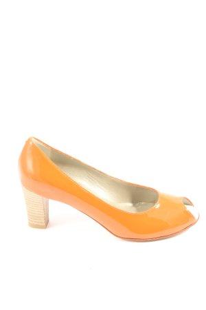 Voltan Tacones con punta abierta naranja claro look casual