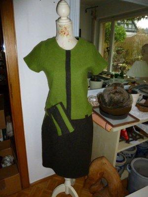 Vestito di lana verde oliva-marrone scuro