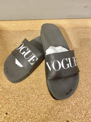 """""""Vouge"""" Flip Flops"""