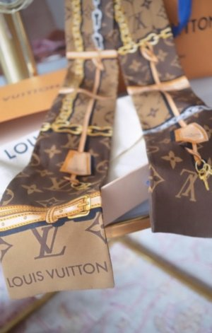 Louis Vuitton Chal veraniego beige-blanco puro