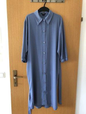 Wadenlanges Kleid in blau