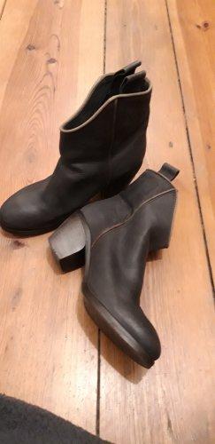 Walter Bauer Botas de cuña marrón-negro