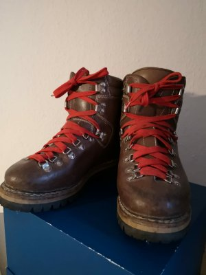 Lowa Lace-up Boots light brown-brown